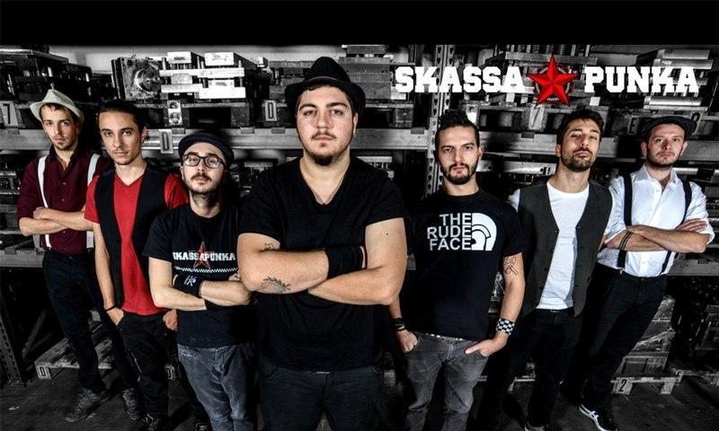 Skassapunka-Bandfoto